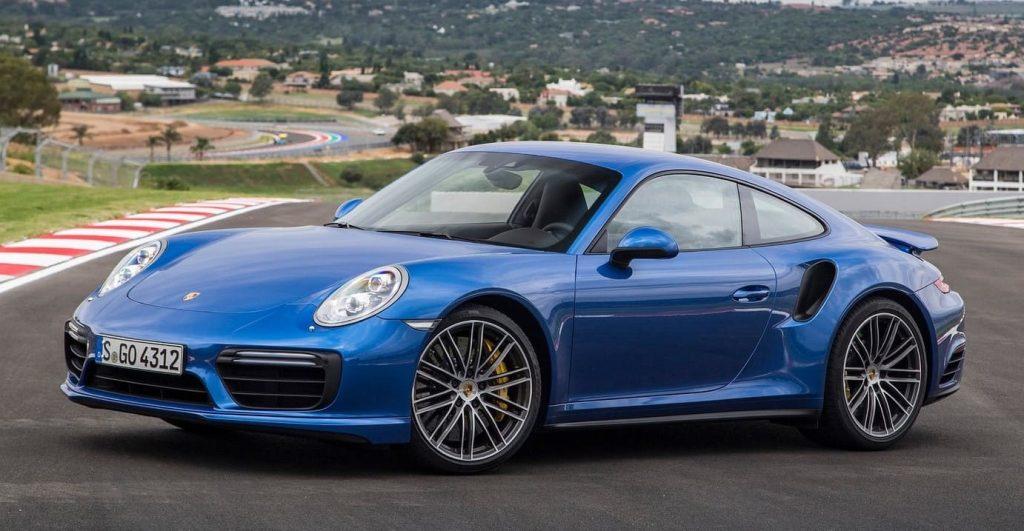 Porsche 911 Turbo VS Audi R8