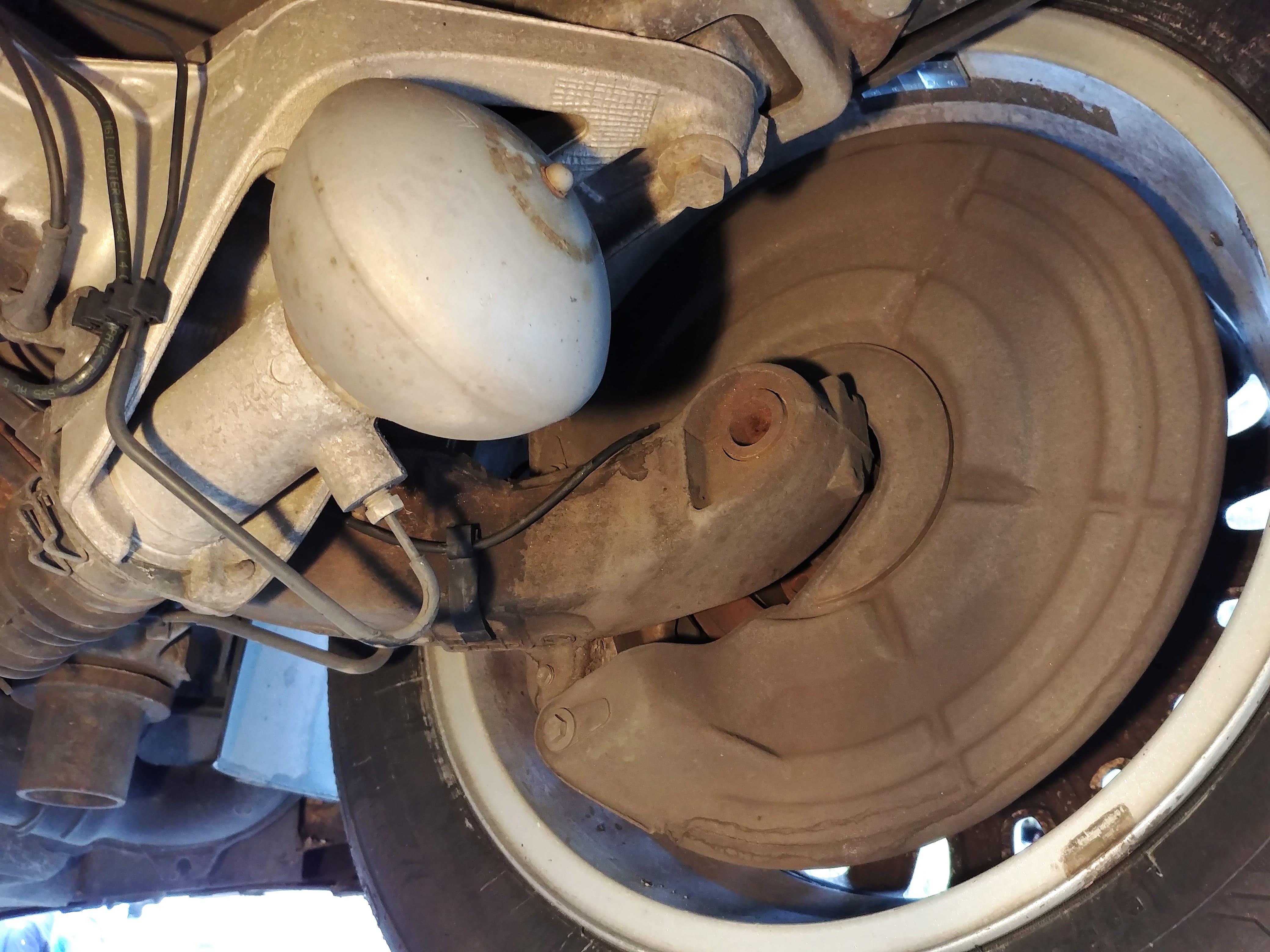 Esfera suspensión trasera Citroen C5