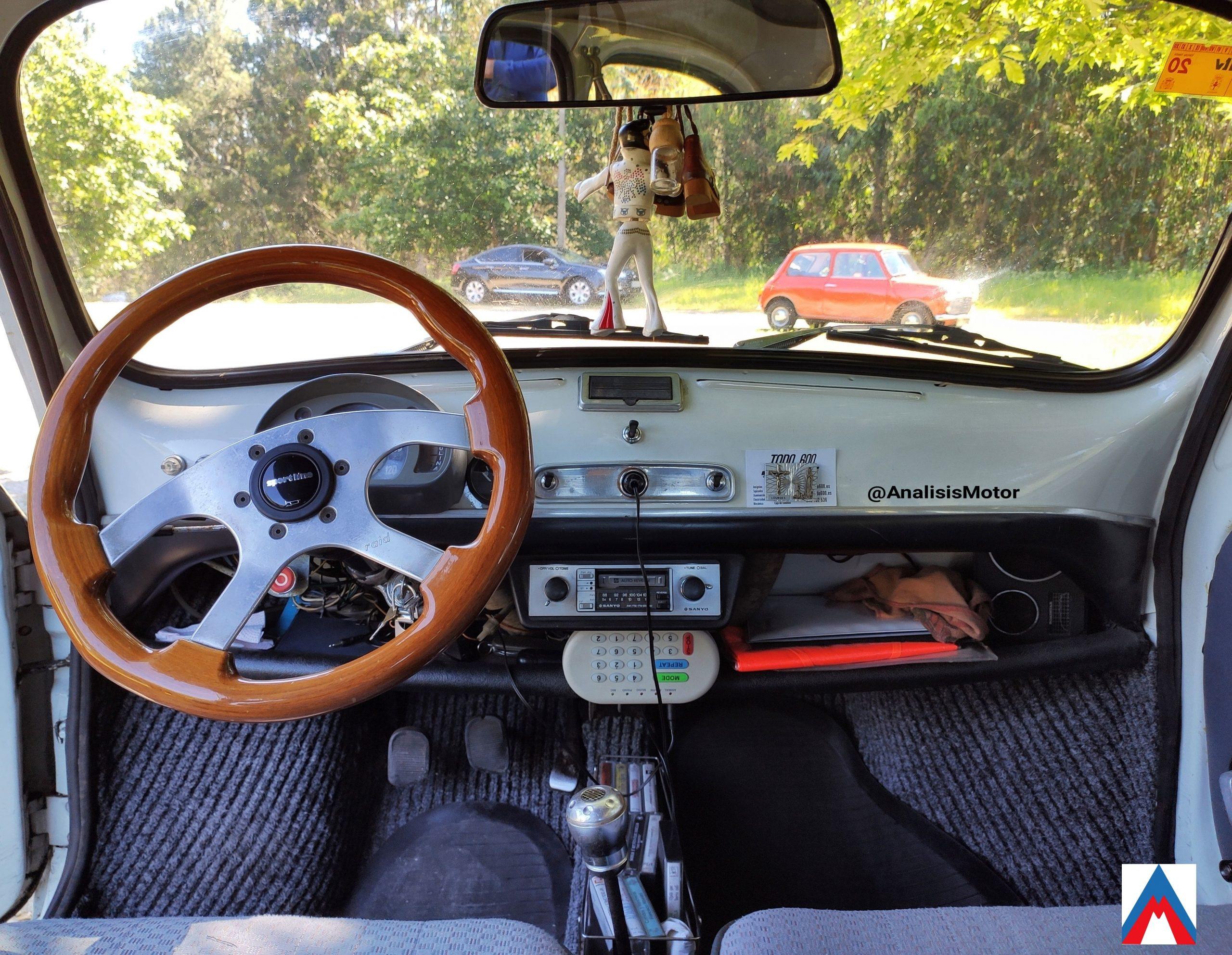 Salpicadero Seat 600 E