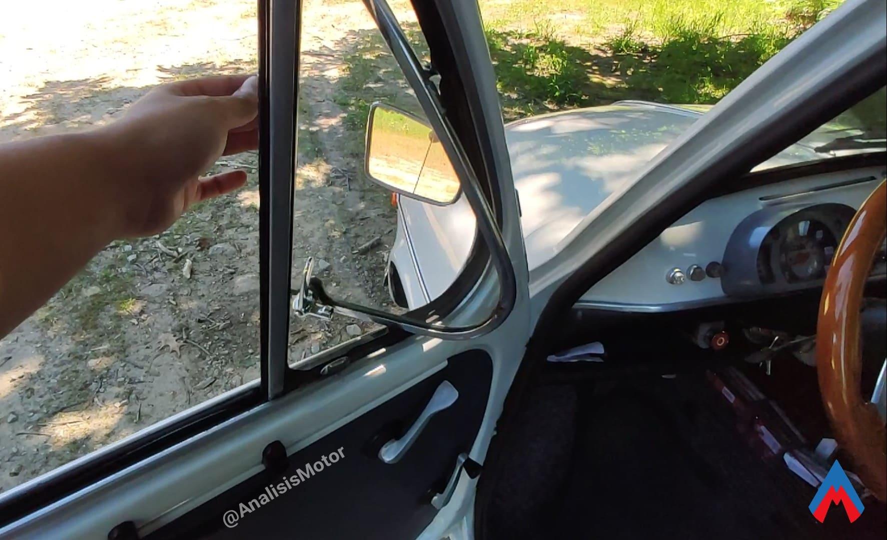 Ventanilla Seat 600 E